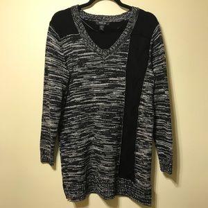 Black and white sweater tunic